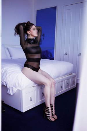 Marie-clémence happy ending massage in Darby PA